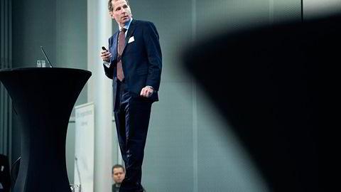 Jarand Rystad i Rystad Energy mener det ikke er noe i veien for at oljeprisene fortsetter videre ned. Foto: Foto: Per Ståle Bugjerde