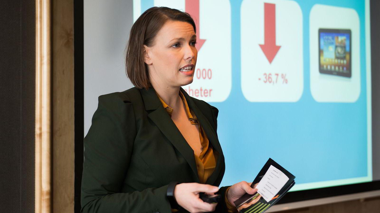 Oslo 10.02.2015: Kommunikasjonssjef i Elektronikkbransjen Marte Ottemo konstaterer at pc-er og nettbrett byttet trend i 2014.