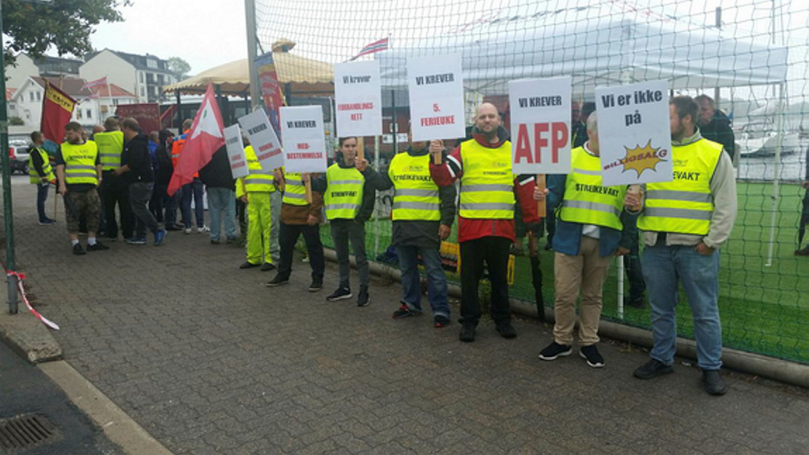 Fem elektrikere ved Traftec har streiket for tariffavtale siden 18. juni i fjor.