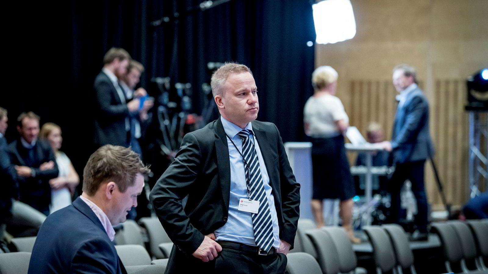 Resett går fortsatt i underskudd. Her er redaktør Helge Lurås med Lars Akerhaug (til venstre), som siden nyttår har jobbet som redaksjonssjef.
