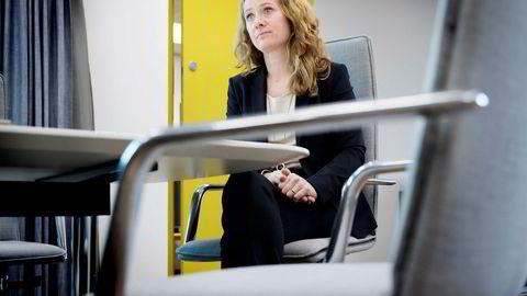 Arbeids- og sosialminister Anniken Hauglie mener eldrebølgen og innvandrerstrømmen forklarer hvorfor yrkesdeltagelsen blant nordmenn fortsetter å falle.