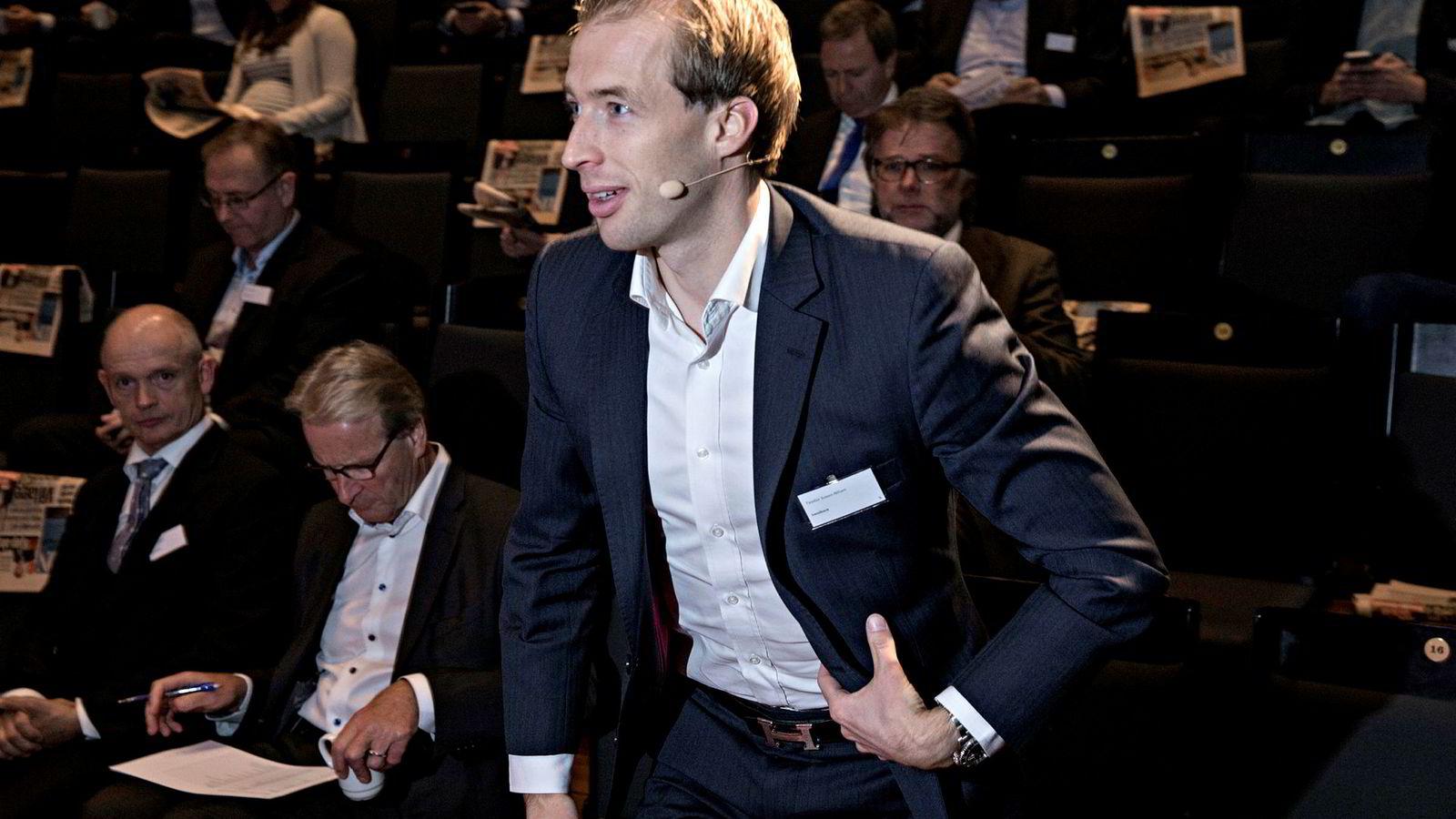 Analytiker Teodor Sveen-Nilsen i Sparebank 1 Markets bytter ut Equinor med Aker BP.