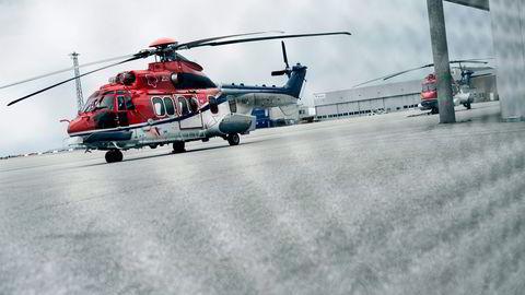 Super Puma, av samme helikoptertype som styrtet utenfor Bergen, står på bakken ved Stavanger Lufthavn Sola. Foto: Tommy Ellingsen