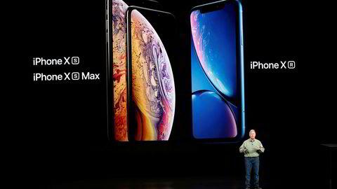Markedsdirektør Philip W. Schiller i Apple presenterer de nye Iphone Xs og Xr-modellene. Apple prøver å etablere seg som et enda mer eksklusivt varemerke, ikke minst prismessig, med de nye telefonene.