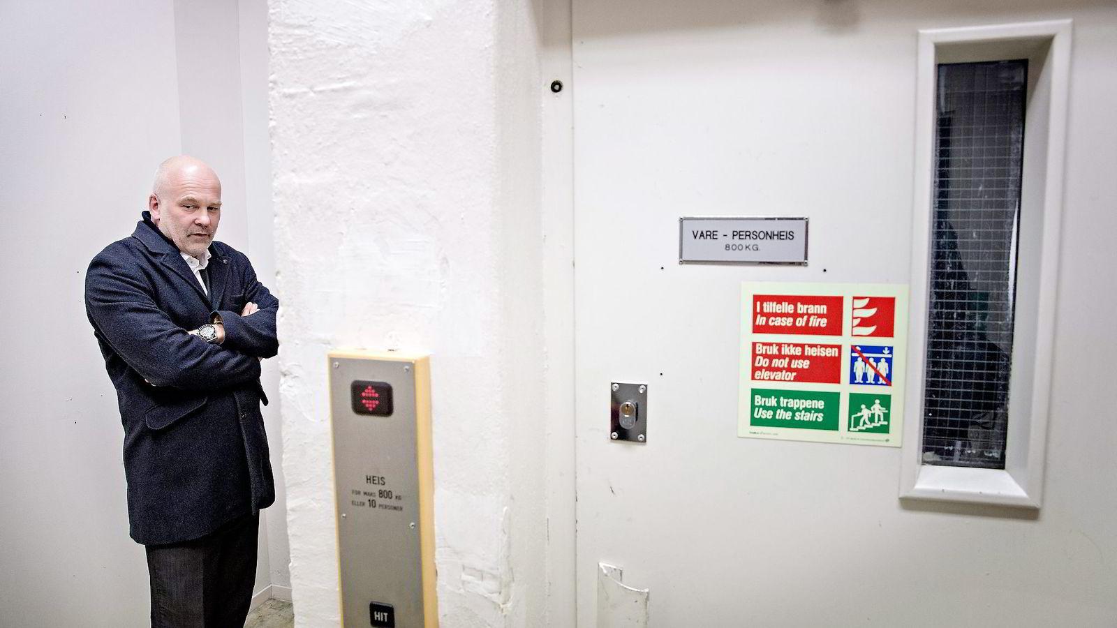– Jeg blir ikke skremt av noe. Skal man bli skremt av dette, får man finne seg en annen jobb, sier kringkastingssjef Thor Gjermund Eriksen, som er overrasket over forslaget fra regjeringspartiene. Foto: Aleksander Nordahl