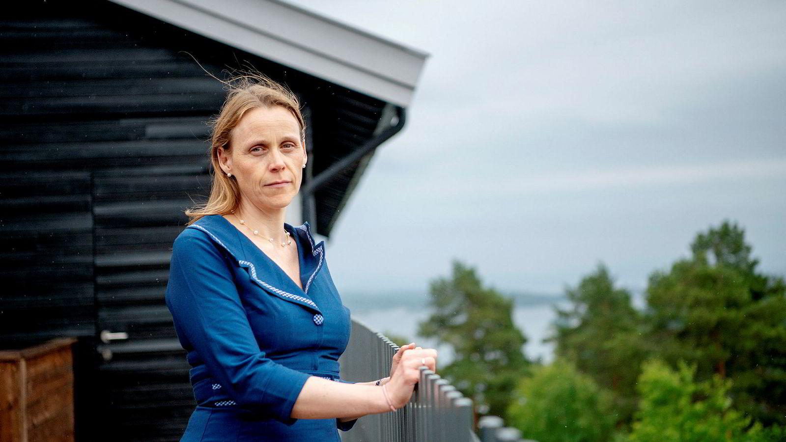 Etter oljenedturen har det blitt enda klarere for Tekna-president Lise Lyngsnes Randeberg at kompetanse må være det viktigste kriteriet ved nedbemanninger. – Vårt inntrykk er at de bedriftene som praktiserte «sist inn – først ut» har klart seg dårligere etterpå.