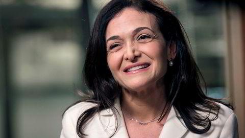Norske kvinner kan lære mye av Facebook-sjef Sheryl Sandbergs bok «Lean in», skriver kronikkforfatteren.