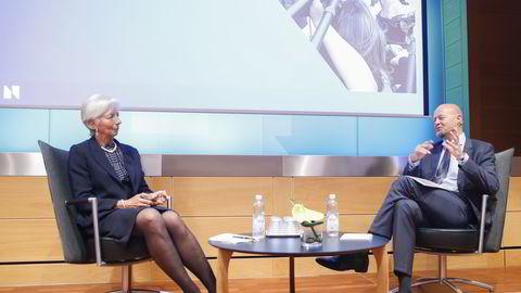IMF-sjef Christine Lagard og oljefondsjef Yngve Slyngstad i samtale under torsdagens jubleumssymposium i Norges Bank. Foto: Terje Pedersen /