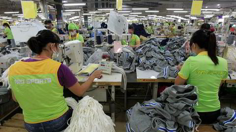 Vietnam har en høyere økonomisk vekst enn Kina. Investorer flokker til landet, som antas å bli en av vinnerne i handelskrigen mellom USA og Kina.