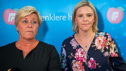 Frp-leder og finansminister Siv Jensen er godt fornøyd med at neste års utgifter til asylmottak ser ut til å bli 5,5 milliarder kroner lavere enn i toppåret 2016. Her sammen med nestleder i Frp og statsråd Sylvi Listhaug