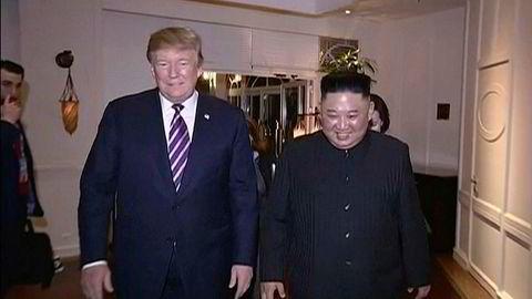 Stemningen mellom Donald Trump og Kim Jong-un var god her i Vietnam, som dette bildet fra en video som det nordkoreanske nyhetsbyrået KRT har sendt ut. Ingenting konkret kom ut av møtene i Vietnam i begynnelsen av mars.