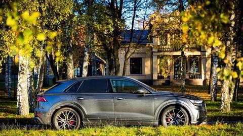 Det er ikke noen tvil om at Q8 er en Audi. Den coupe-aktige formen stjeler lite plass innvendig.