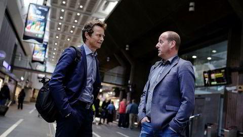 Fylkesråd for næring Thomas Breen (til høyre) i Hedmark fylkeskommune og direktør Tore Anstein Dobloug i Sparebankstiftelsen Hedmark oppretter et hundremillionersfond for å styrke gründervirksomheten i fylket.