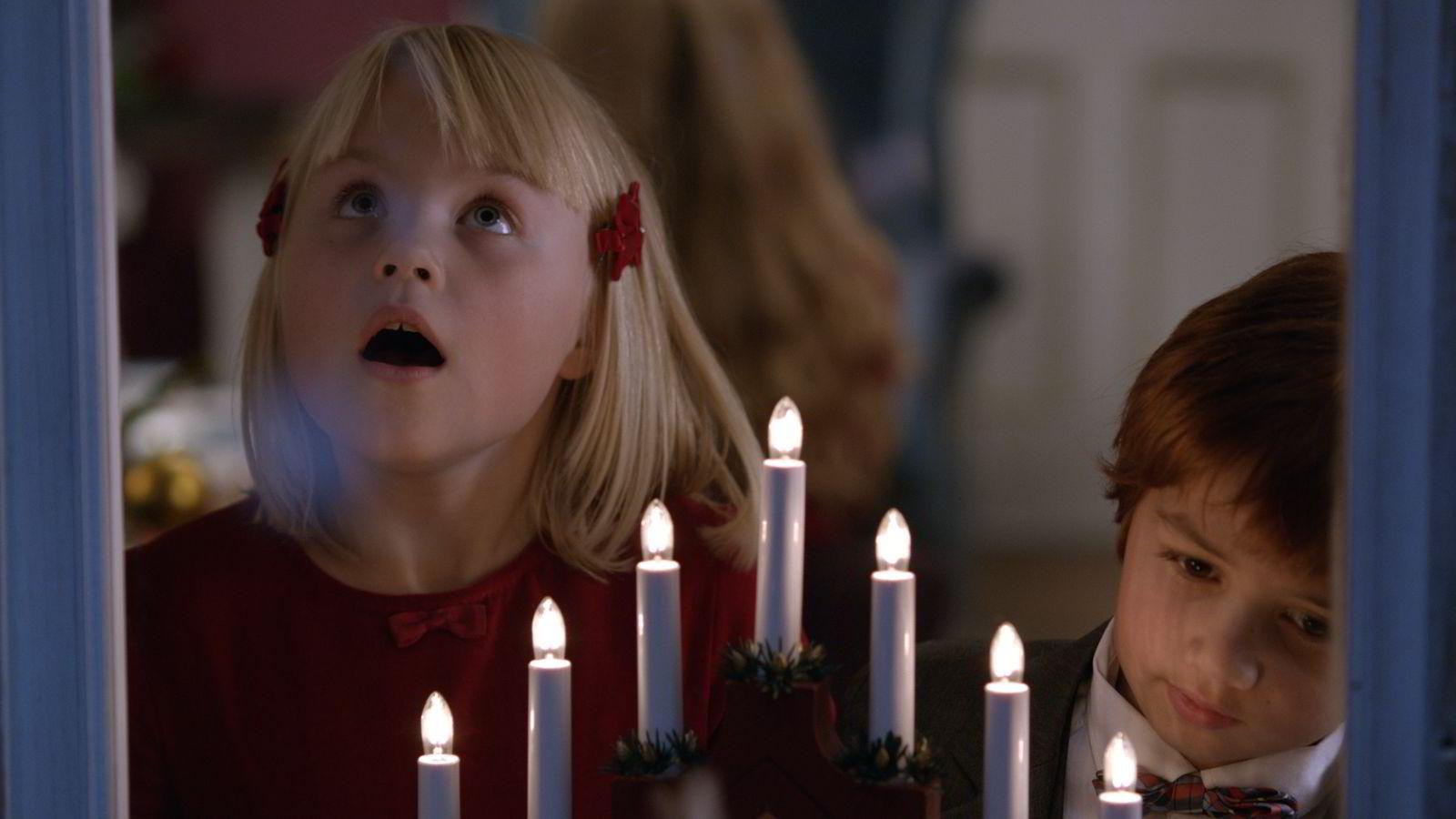 «Karsten og Petras vidunderlige jul» er den fjerde filmen i serien basert på bøkene til Tor Åge Bringsværd og Anne Holt. «Karsten og Petra på Safari» kommer i september 2015.
