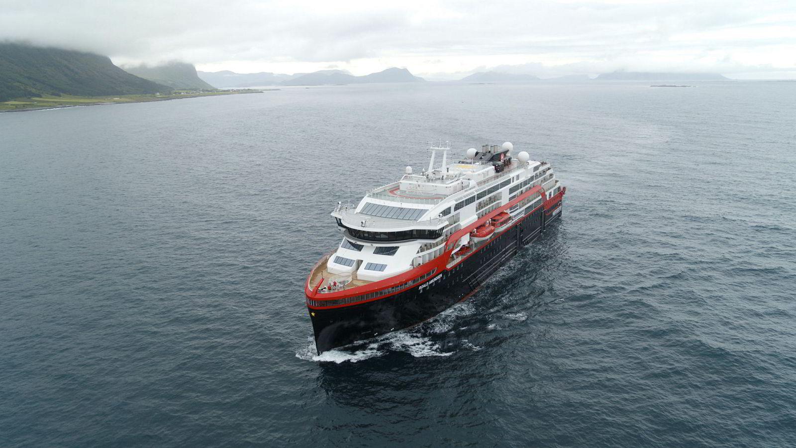 Hybridskipet MS Roald Amundsen er blant Hurtigrutens nyeste fartøy.