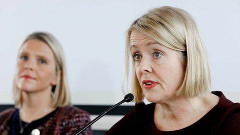 PST-sjef Benedicte Bjørnland (til høyre) da hun presenterte PSTs trusselvurdering for 2018. Til venstre sitter stortingsrepresentant Sylvi Listhaug (Frp) som da var justisminister.