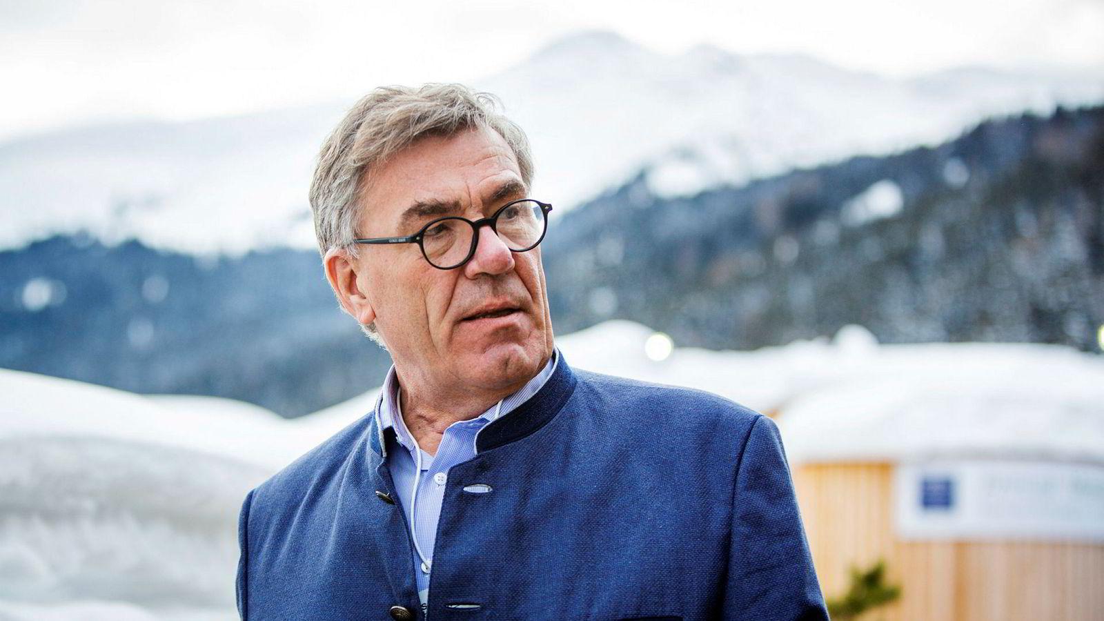 Stein Erik Hagen-selskapet Canica Invest er største aksjonær i Komplett Bank med 20 prosent.