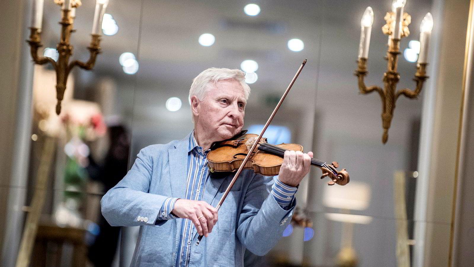 Arve Tellefsens fiolin er en Guarnerius fra 1741, bygget av en av de største fiolinmakerne, Giuseppe Guarneri del Gesù (1698–1744), i Cremona i Italia.