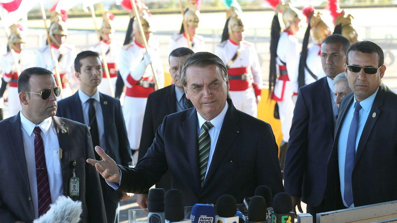 Brasils president Jair Bolsonaro går ut mot urfolksreservatene i Brasi