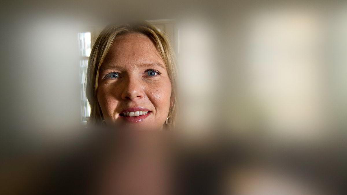 I 2009 ba Sylvi Listhaug (Frp) om velgernes tillit i Oslo. Nå vil hun heller ha kundenes tillit som pr-rådgiver i First House, og er fornærmet fordi hun ikke kan si opp varaplassen på Stortinget.