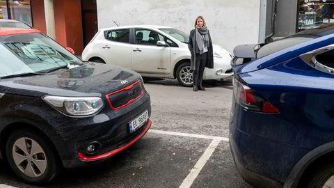 – De fleste el- og hybridbiler har hurtig akselerasjon som er uvant for mange. I tillegg går en stor andel av elbilene i byene hvor det generelt er større risiko for ulykker. I august i fjor registrerte vi skader på nesten halvparten av elbilene vi har forsikret i Oslo, sier Therese Nielsen, seksjonsleder forsikringsoppgjør i Fremtind.