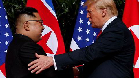 USAs president Donald Trump og Nord-Koreas leder Kim Jong-un under toppmøtet i Singapore 12. juni.