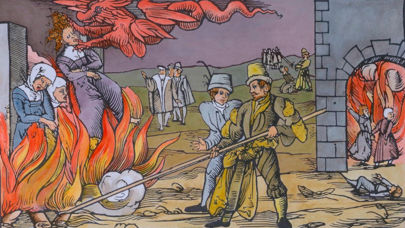 Tresnittet fra 1600-tallet viser tre kvinner som ble henrettet som hekser i Derneburg i Tyskland i oktober 1555. Heksejakt og forsakelse hjalp like lite mot kulde og uvær under den lille istid som bilistjakt og vegetarkost gjør i forhold til vår tids klimautfordringer, skriver Victor D. Norman.