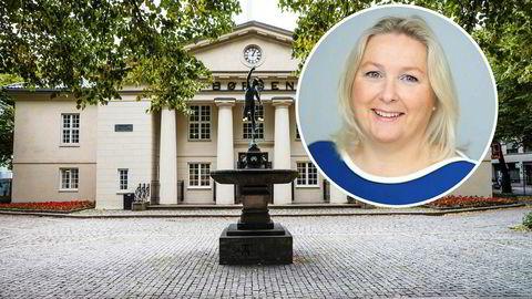– Du trenger ikke doktorgrad for å spare i fond eller kjøpe aksjer, sier Kristin Skaug i Aksje Norge.