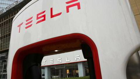 Tesla trenger penger og har ifølge WSJ bedt noen av sine underleverandører betale tilbake en del av det de har fått for sine produkter, helt tilbake til 2016.
