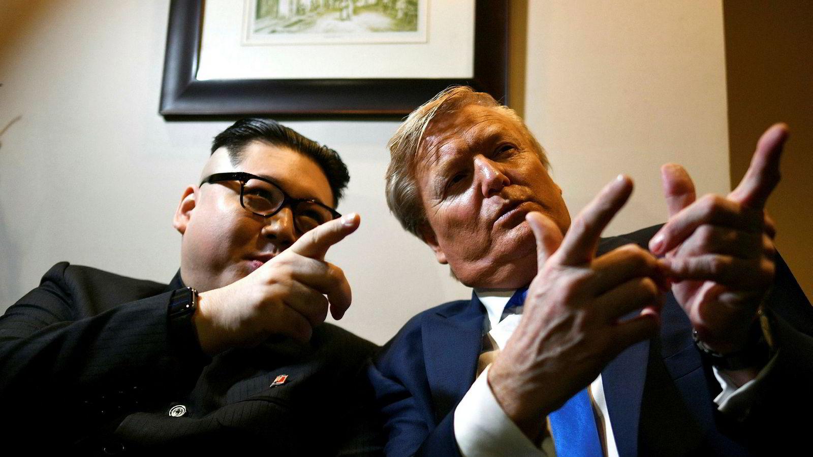 Kim Jong-un-imitator Howard X og Donald Trump-imitator Russel White skapte oppstyr i Vitenam. Nå er førstnevnte utviste fra landet.