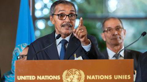Khatri Addouh, leder av Sahrawi-delegasjonen og Frente Polisario, snakker på en pressekonferanse etter et møte om Vest-Sahara i FN i desember.