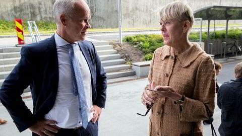 Oslos avgåtte utdanningsdirektør Astrid Søgnen sammen med kunnskaps- og integreringsminister Jan Tore Sanner ved skolestart på Brynseng skole tidligere i år.