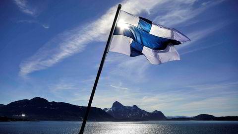 Finland skrotet borgerlønn-prosjektet etter ett år. Resultatene fra det ene året viser at borgerlønn-mottakerne fikk økt velstand, men bidro ikke til økt sysselsetting i samfunnet.
