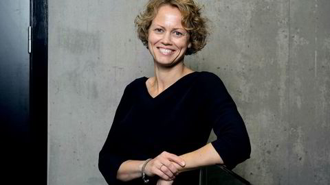 Professor i rettsøkonomi ved NHH Tina Søreide sier Finanstilsynet retter spesielt alvorlig kritikk mot DNB i sine rapporter, og tror det er en betydelig innskjerping av reglene at tilsynet nå kan gi bøter.