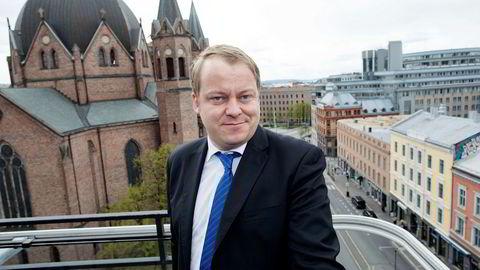 Erlend Wiborg fra Frp mener regjeringens tiltak for å få opp sysselsettingen har virket.