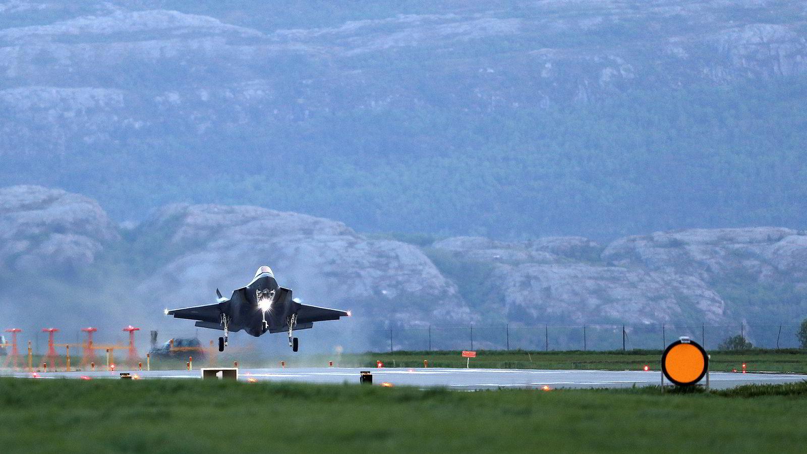 Tre nye F-35-fly ankom Ørland flystasjon tirsdag 22. mai fra fabrikken i Texas.