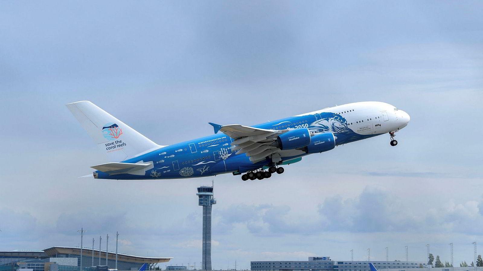 Airbus A380 er verdens største passasjerfly. Dette A380-flyet fra portugisiske HiFly ble leid inn av charterselskapet Ving og tok av fra Oslo lufthavn forrige torsdag for å frakte nordmenn til og fra Mallorca.