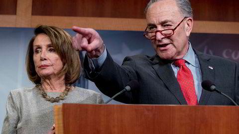 De demokratiske kongresslederne Nancy Pelosi og Chuck Schumer mener det som er kommet frem i sammendraget av Mueller-rapporten reiser like mange spørsmål som svar.