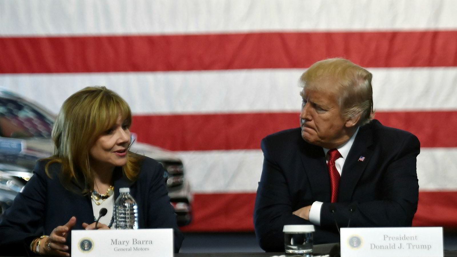 President Donald Trump er meget irritert på General Motors-sjef Mary Barra. Her fra et møte i Michigan i fjor.