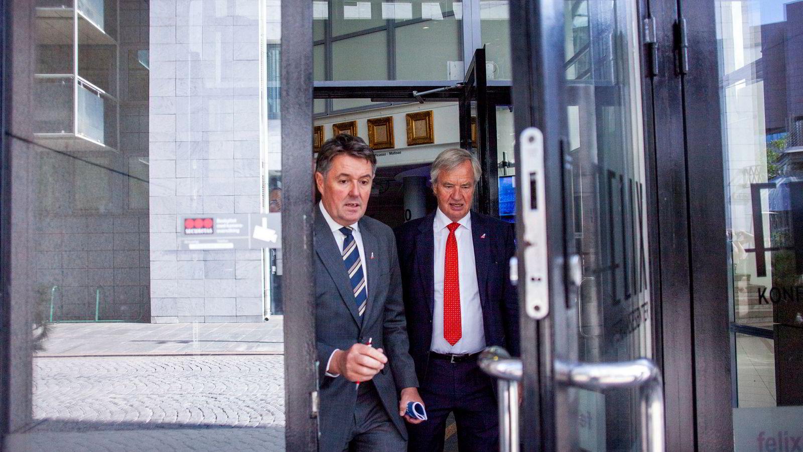 Geir Karlsen, fungerende konsernsjef i Norwegian, her sammen med Bjørn Kjos, Norwegians grunnlegger og mangeårig toppsjef.