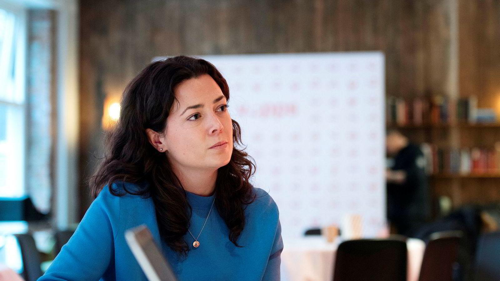 Kommunikasjonssjef Hanne Kjærnes sier Vipps snart vil øke beløpsgrensen for barn fra 8000 til 50.000 kroner.