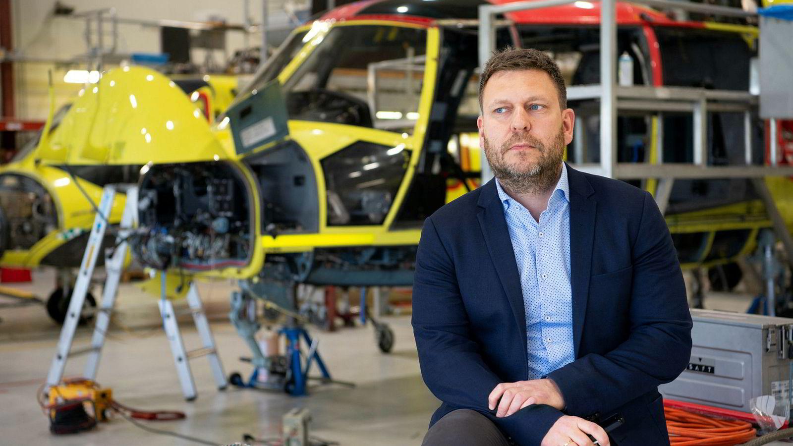 Administrerende direktør Frank Wilhelmsen i Lufttransport skal torsdag forklare seg under en høring i Stortinget.
