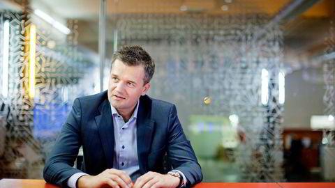 KLAR TIL KAMP. Vipps-sjef Rune Garborg i DNB følger ikke bare med på konkurransen fra Nordea og Danske Bank. Også aktører som Apple og Facebook er aktiv på mobile betalingsløsninger, foreløpig i andre markeder, påpeker han. Foto: Øyvind Elvsborg