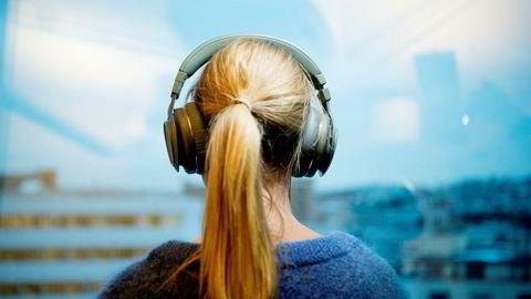 Det finnes over 1000 hodetelefoner til salgs i Norge. Her er de beste i hver priskategori.