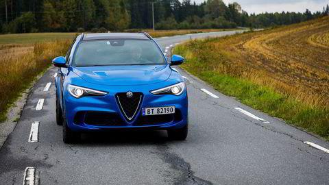 Flere veier kan få høyere fartsgrense. Det kan være til glede for dem med spreke biler, for eksempel Alfa Romeo Stelvio Quadrifoglio som nylig ble testet i Dagens Næringsliv.