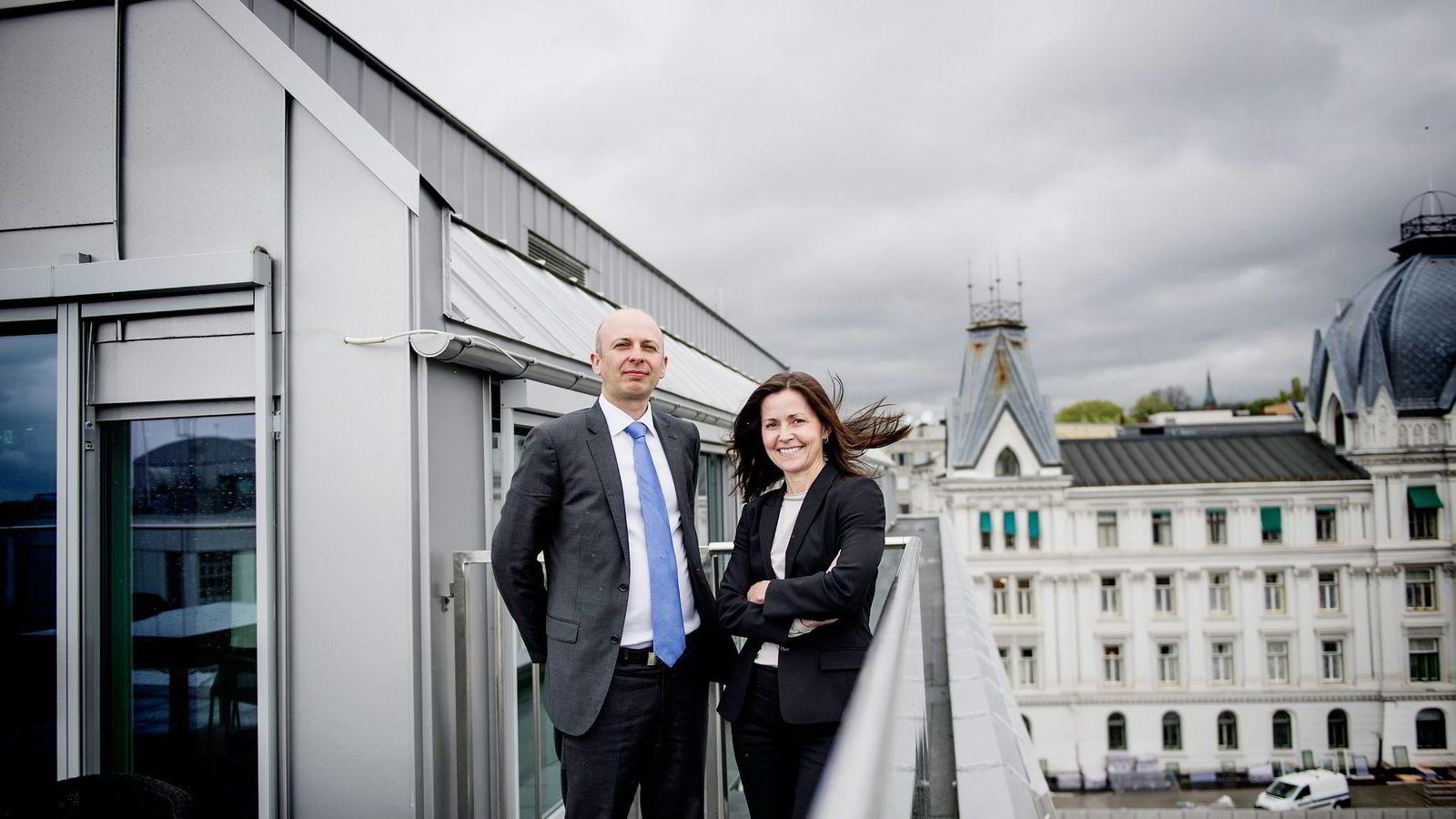 Advokatene Halvor Manshaus og Cecilie Amdahl mener Skatteetaten tolker skattereglene så snevert at det hindrer skattefritak på lovlige, utenlandske spill.