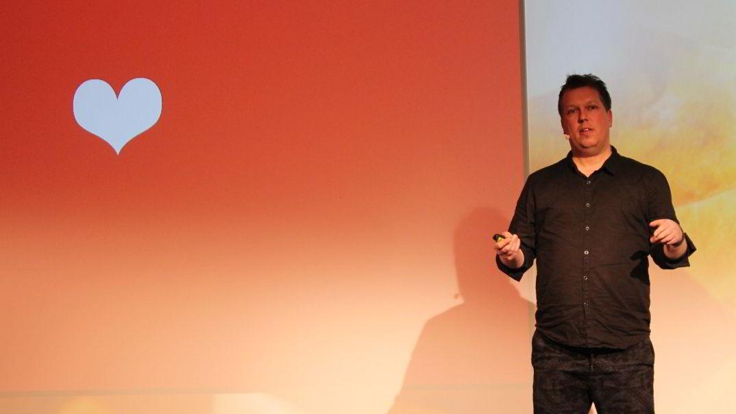 Sjef for brukerinvolvering og sosiale medier i VG, Øyvind Solstad, mener det er viktig å spille på følelser for å nå brukere.