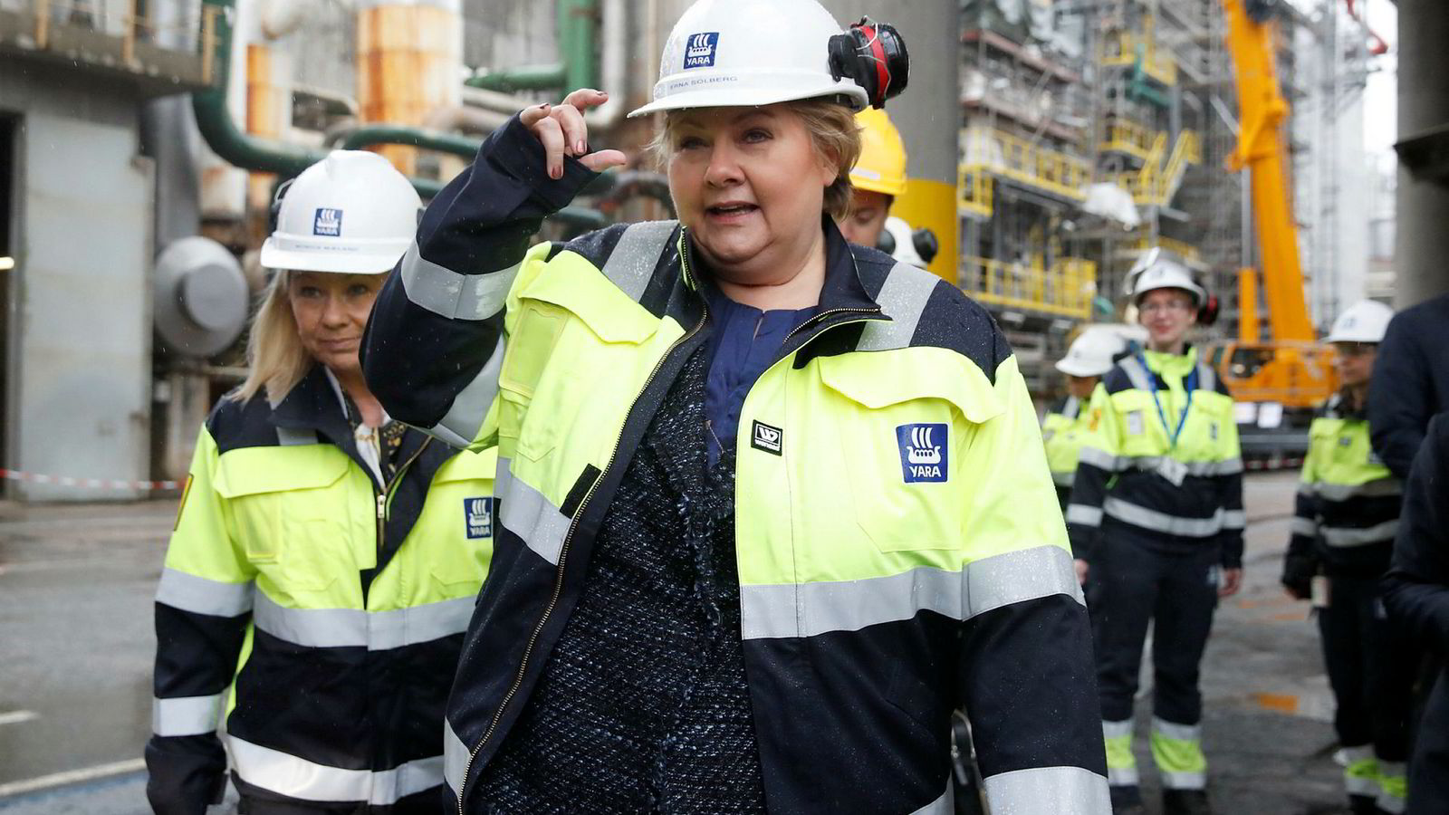 Statsminister Erna Solberg og næringsminister Monica Mæland presenterte regjeringens industrimelding på Yaras anlegg på Herøya. Foto: Cornelius Poppe/NTB Scanpix
