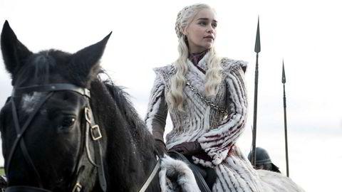 Emilia Clarke spiller prinsesse, senere dronning, Daenerys Targaryen i «Game of Thrones».