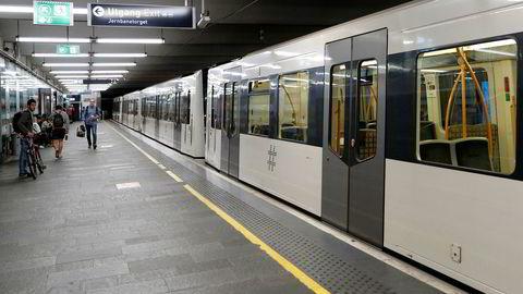 Ny T-banetunnel vil Ikke flere avganger fra de viktigste stasjonene Jernbanetorget og Nationaltheatret.